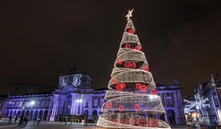 Рождественские огни: как выглядят города мира в новогодние праздники, 30 фото