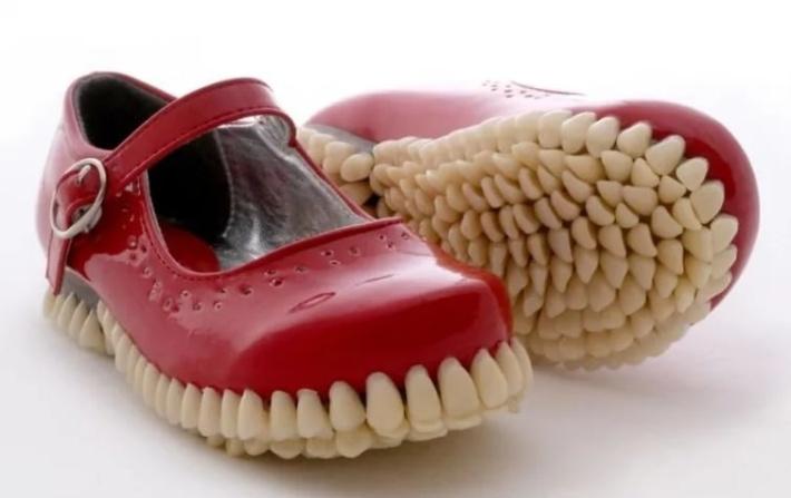 Дизайнерская обувь, которую непонятно как носить, 60 фото