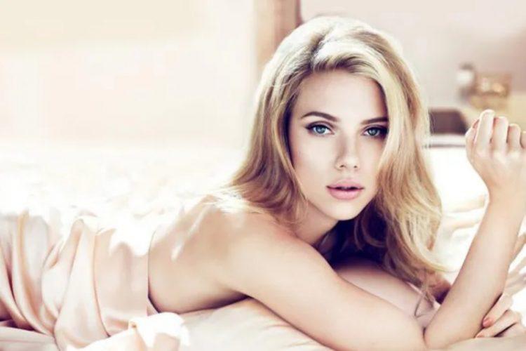 США_Scarlett Johansson_idealy zhenskoy krasoty_SSHA