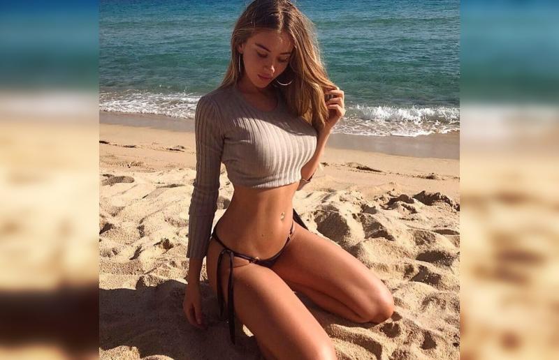 Обворожительные красотки, отдыхающие на пляже